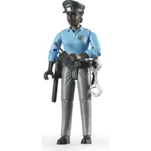 Bruder Polizistin mit dunklem Hauttyp und Zub