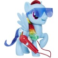 Hasbro My Little Pony Großartig singende Rainbow Dash
