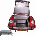 SIT THIS & THAT Carbecue Recycelte Auto-Front, innen mit einem Gasgrill rot