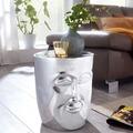 Wohnling Beistelltisch FACE 35x35x39 cm Aluminium Couchtisch Silber orientalisch, Sofatisch mit Gesicht aus Metall, Designer Ablagetisch modern, Kleiner Anstelltisch schmal silber