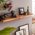 Wohnling Wandregal mit Baumkante Akazie Massivholz 80 cm Unbehandelt, Design Schweberegal Wandboard Massiv, Regal Holz Natur, Landhausstil Hängeregal