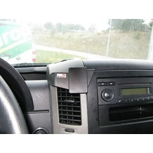 Brodit ProClip - VW Crafter Baujahr 2007-2016 (Montage mittig, extra stabil, nicht für Modelle mit Handyschuhfach über Radio)