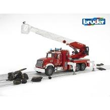 Bruder MACK Granite Feuerwehrleiterwagen mit Pumpe