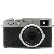 Fujifilm X100V, silber
