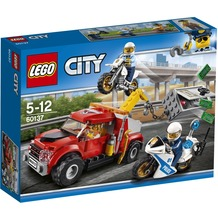 LEGO® City 60137 Abschleppwagen auf Abwegen