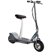 Razor E300S Electric Scooter Seated - Grau/Matt