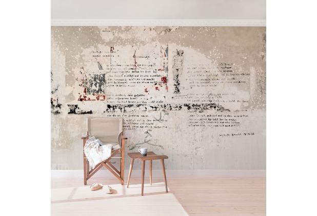 Bilderwelten Vliestapete - Alte Betonwand mit Bertolt Brecht Versen - Fototapete Breit 190x288cm
