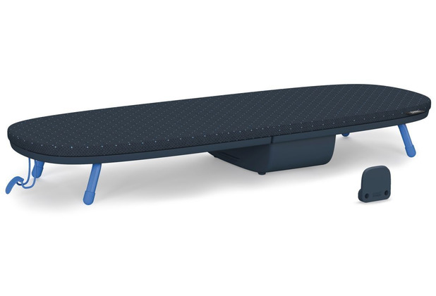 Joseph Joseph Pocket™ Plus faltbares, kompaktes Tischbügelbrett - Schwarz/Blau
