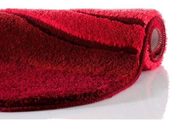 Kleine Wolke Badteppich Siesta Weinrot 60 cm x 100 cm oval