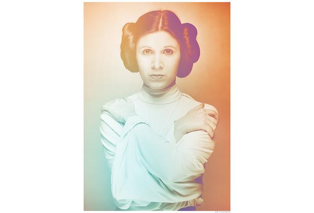 Komar Star Wars Wandbild Star Wars Classic Icons Color Leia 30 x 40 cm