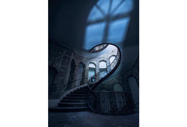 "Komar Stefan Hefele / Lost Places Vlies Fototapete \""The forgotten Chateau\"" 200 x 280 cm"