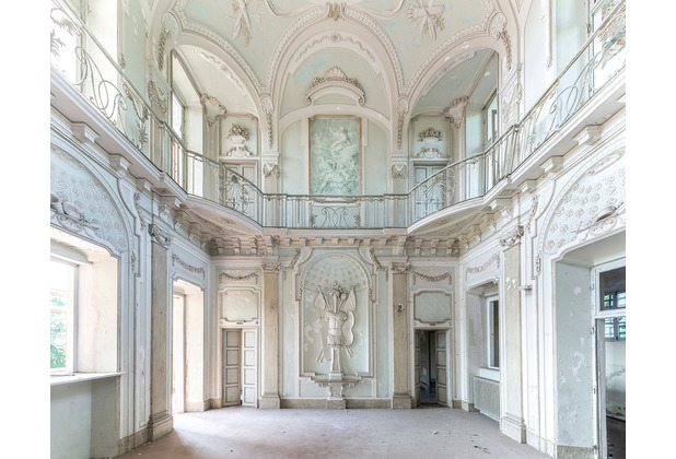 "Komar Stefan Hefele / Lost Places Vlies Fototapete \""White Room III\""\"" 400 x 280 cm"