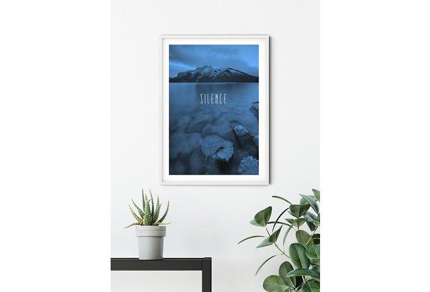 Komar Wandbild Word Lake Silence Blue 30 x 40 cm