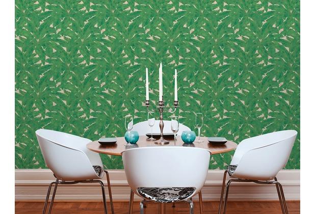 Livingwalls Vliestapete Metropolitan Stories Francesca Milano Tapete mit Palmenprint in Dschungel Optik beige grün metallic 10,05 m x 0,53 m