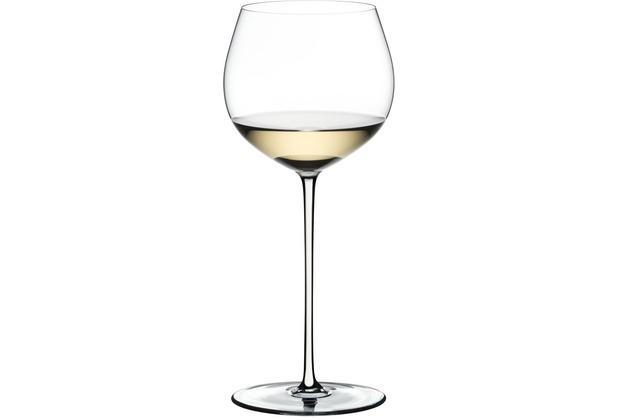 Riedel Fatto A Mano Oaked Chardonnay Glas mit weißem Stiel