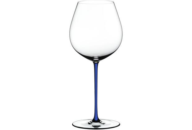 Riedel Fatto A Mano Old World Pinot Noir Glas mit dunkelblauem Stiel