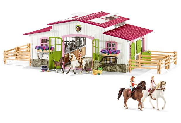 Schleich Reiterhof mit Reiterin und Pferden mit Sofia & Hannah