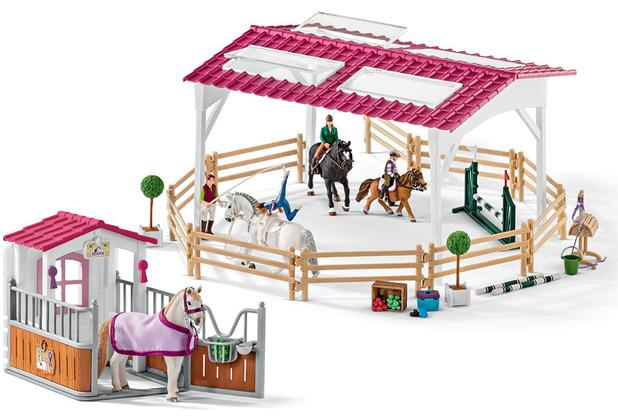 Schleich Reitschule mit Reiterinnen und Pferden mit Pferdebox