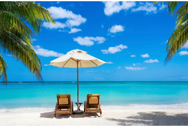 XXLwallpaper Fototapete Beach with Chairs 150 g Vlies Basic 2,00 m x 1,33 m