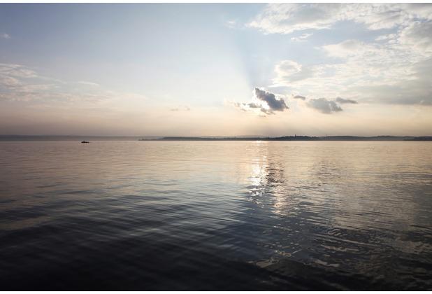 XXLwallpaper Fototapete Sundown at Sea 1 150 g Vlies Basic 2,00 m x 1,33 m